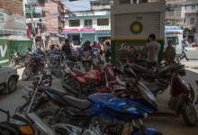 Fuel crisis grips Nepal as border crossings close