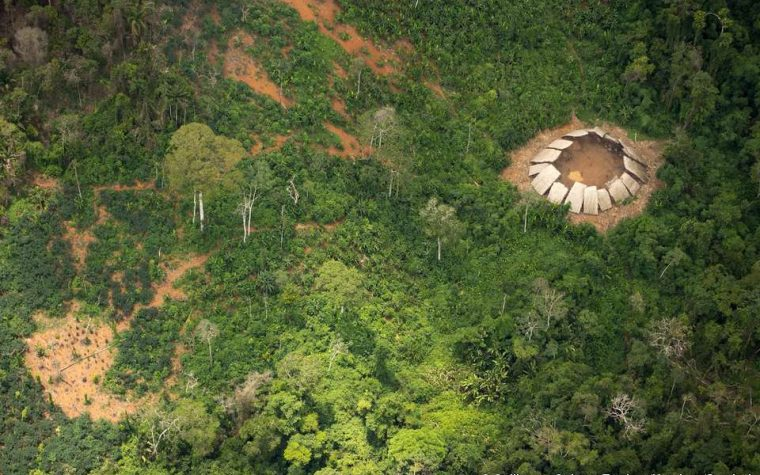 Incredible new photos of uncontacted Amazon tribe