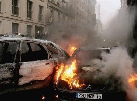 "French Muslims ""celebrated"" New Year with at least 1,000 cars torched"