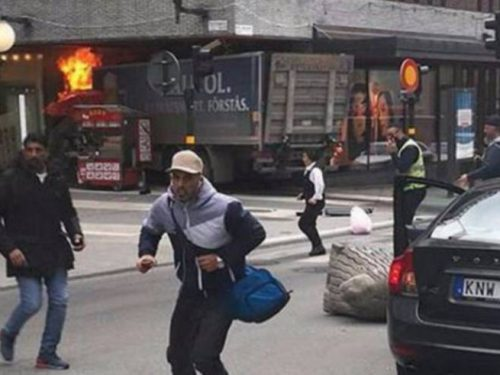 Sweden, a peaceful and tolerant truck hits the crowd in Stockholm