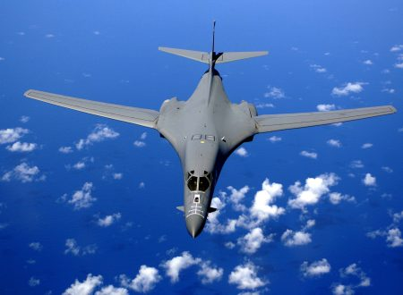 US bombers flying over the sky of Pyongyang: nuclear holocaust at the doors