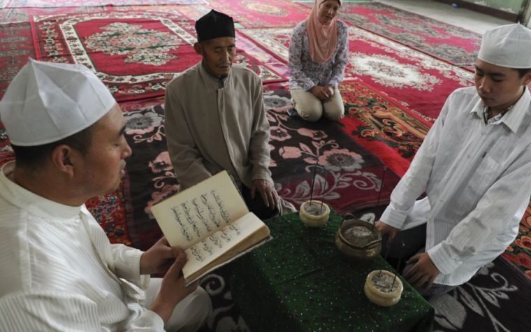 Police Order Xinjiang's Muslims to Hand in All Copies of The Quran and Other Terror Tools
